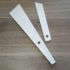 Гладилка - шпатель для распределения клея из нейлона 20 мм.