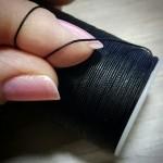 Нитки для кожи FAPIA KNOT (плетёный) полиэстер вощёный, 0.5 мм. на 100 метров. Цвет чёрный.