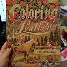 Книга (на бумажном носителе) Coloring Leather by Al Stohlman на английском языке 54 страницы.