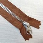 Молния YKK. Standard Polished №3 Color 859. Антиникель, коричневый неразъёмная 20 см.