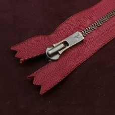 Молния YKK Excella single №2  20 см. старая латунь бордовый цвет.