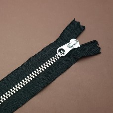 Молния YKK. Standard Polished №3 Color 580. Антиникель, чёрный неразъёмная 20 см.