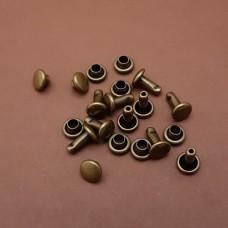 Фурнитура - хольнитен двухсторонний. 100% латунь с патинированием под бронзу, 6х6.4 мм. 10 шт.