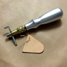 Грувер - канавкорез изогнутый с отверстием 1 мм. Серебристая ручка.